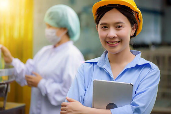woman-manufacturing-warehouse-quality