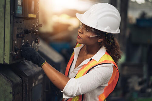 woman-quality-inspection-warehouse