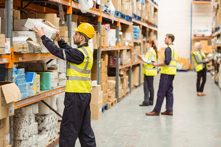 workers-warehouse-inventory